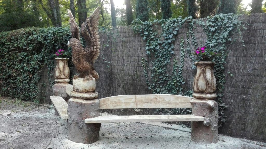 escultura banco aguila