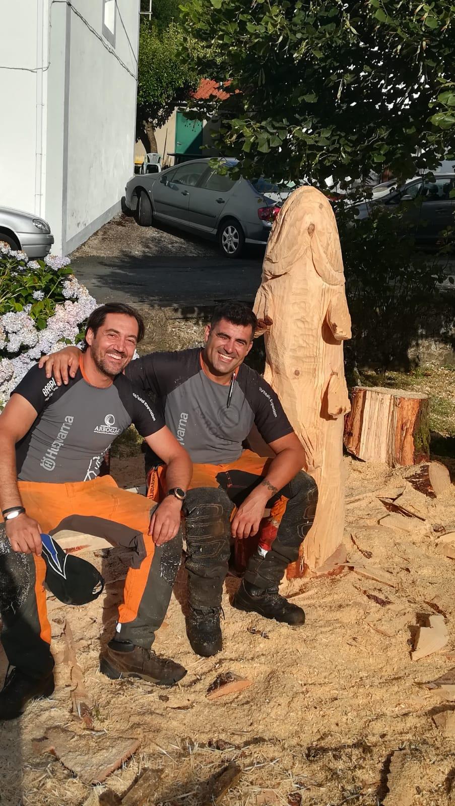 Arte con motosierra en Sobrado dos Monxes